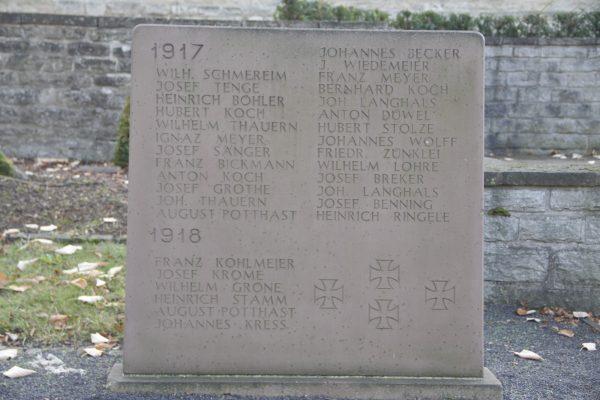 Ehrenmal, Gedenkstein 2