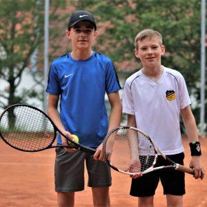 Die 14-jährigen Magnus Lesch und Leo Ulrich spielen erfolgreich bei den Herren