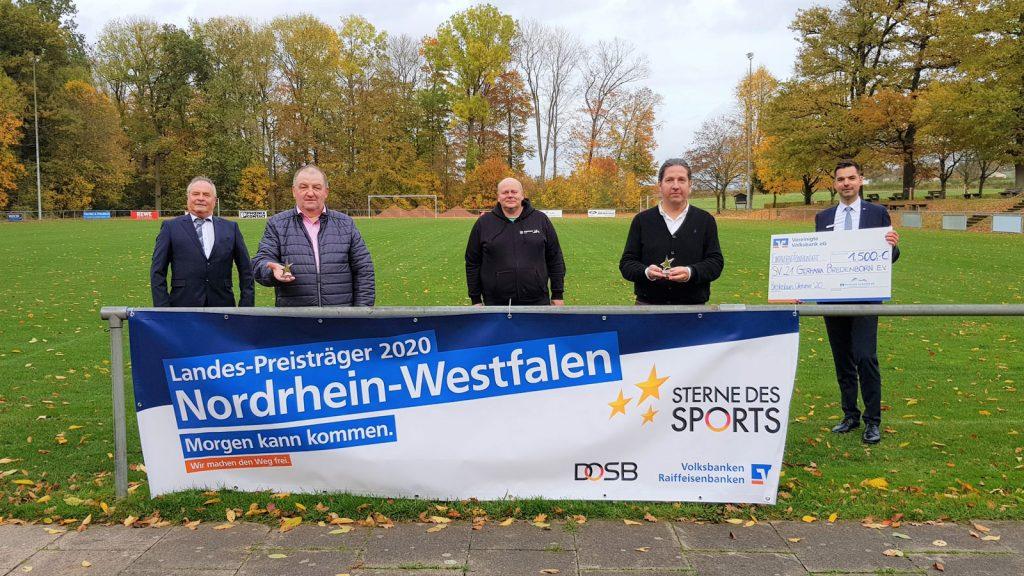 v.l.: Diethelm Krause (Vizepräsident Landessportbund NRW), Holger Haueisen (1. Vorsitzender SV Germania Bredenborn), Thorsten Schiller (Kreissportbund Höxter), Christof Müller (Projektinitiator), Thomas Albers (Bereichsleiter Vertriebsmanagement Vereinigte Volksbank)
