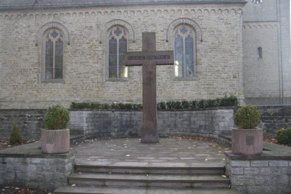 Kreuze und Kapellen - Ehrenmal