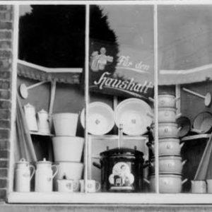 Schaufenster Geschäft Hanewinkel ca. 1950, Foto Archiv J. Grabbe